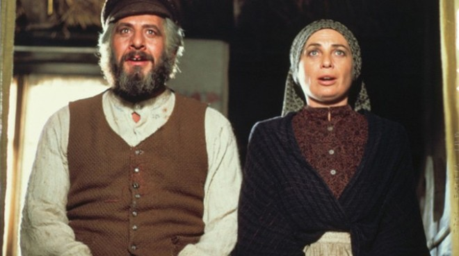 fiddlerontheroof1971_678x380_02272013035858
