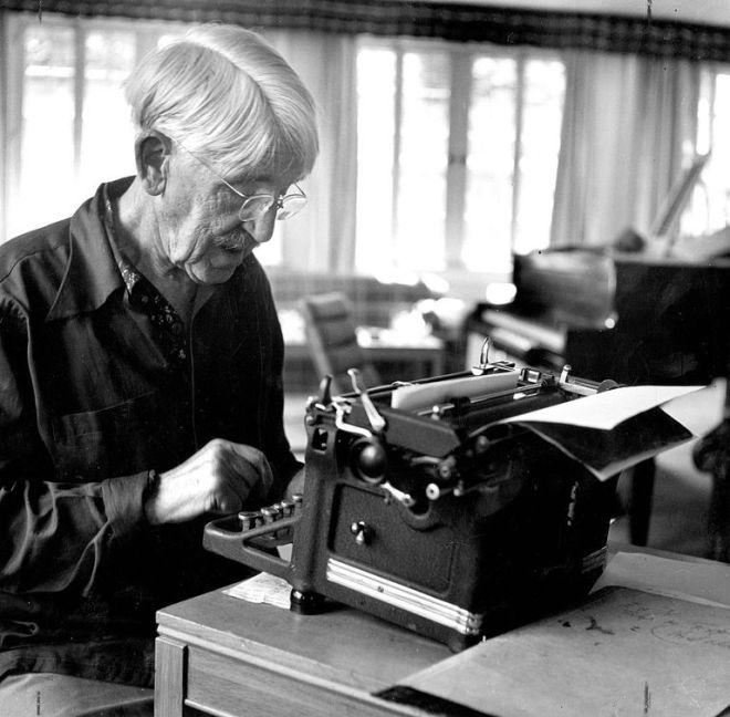john-dewey-at-typewriter-590236244-5c51f8364cedfd0001ddb7f4.jpg